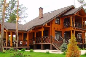 Отличия загородных домов от коттеджей